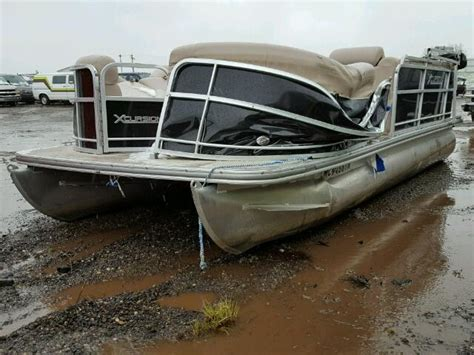 Boat Salvage Mi by 2013 Boat Pontoon For Sale At Copart Portland Mi Lot