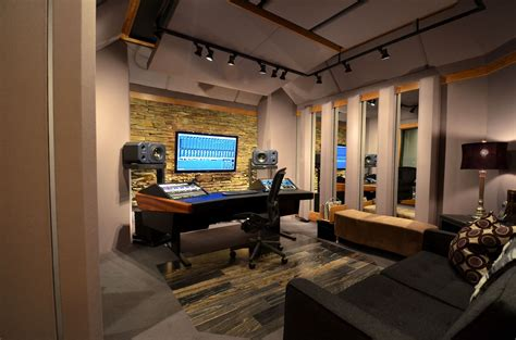 bureau studio musique audio room equipment of sound recording and smart layout