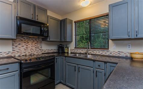 chelsea gray cabinets wod oak kitchen cabinets after being painted chelsea gray 229