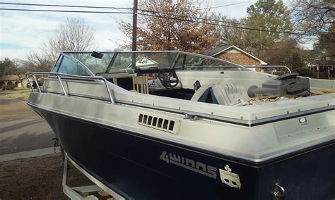 Four Winns Boat Dashboard Assembly by Four Winns 215 Santara Cuddy 1986 For Sale For 1 850