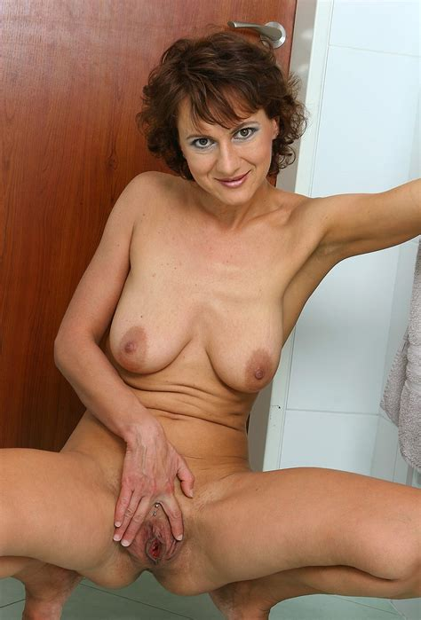 Mature Older Milf (Page 1) - Photos Fuck Collection