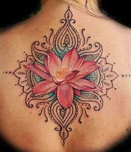 Frauen Rücken Tattoo : tattoo r cken frau detailierte t towierung mit rosa lotus tattoos pinterest tattoo ~ Frokenaadalensverden.com Haus und Dekorationen