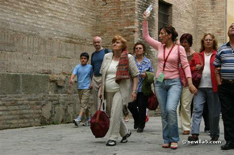 tour bureau tour guide in seville