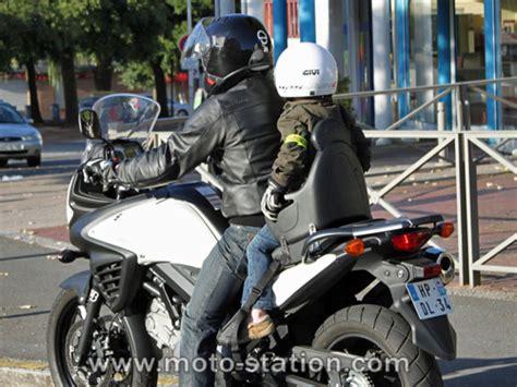 siege scooter occasion transporter un enfant à moto ou scooter part 2 test du