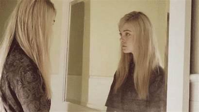 Fanning Elle Blonde Gifs Mirror Dakota Movie