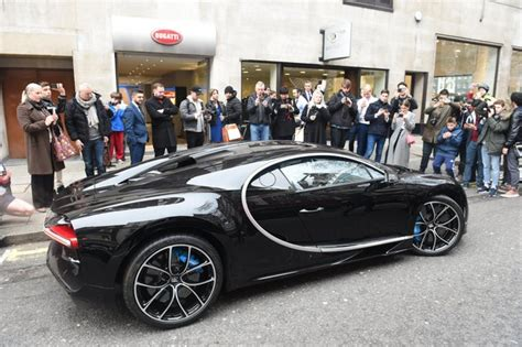 Fast & free shipping on many items! Bugatti Chiron: Super-rich queue up to splash out £2m on 261mph supercar   London Evening ...