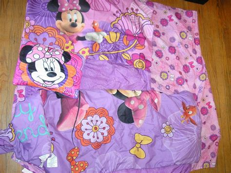 disney minnie mouse fluttery friends toddler bed set 5