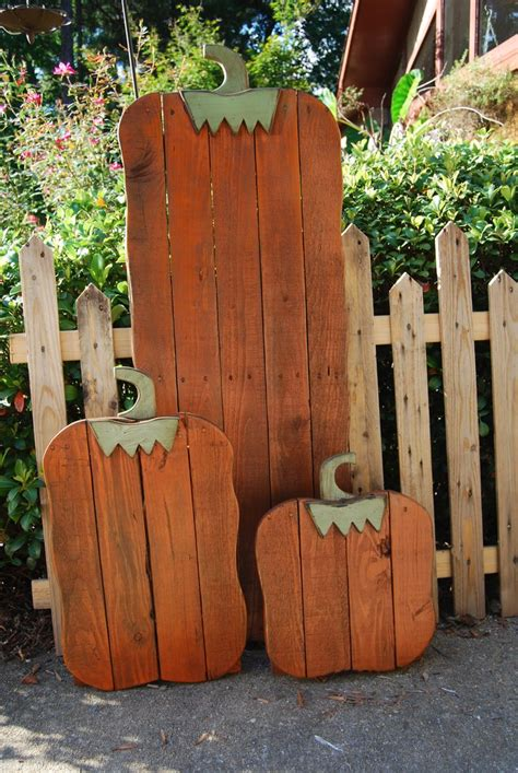 10 Best Images About Pallets On Pinterest  Cottages, Fall Pumpkins And Signs