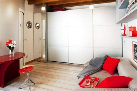 soggiorno 25 mq monolocale di 25 mq con soluzioni salvaspazio cose di casa