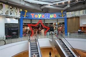 Les 4 Temps Parking : le toys r us des 4 temps s offre un lifting defense ~ Dailycaller-alerts.com Idées de Décoration