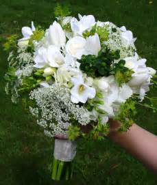 white flowers for wedding white and green wedding stadium flowers