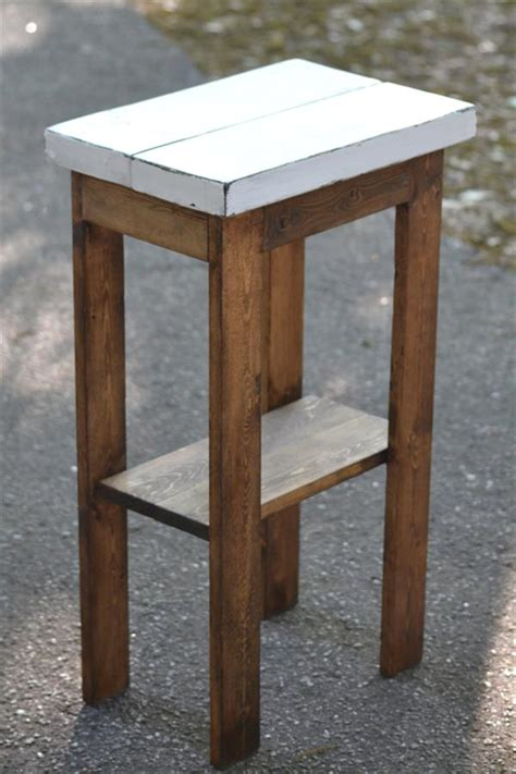 Rustic Nightstand Plans by Diy Rustic Stand Pallet Furniture Plans