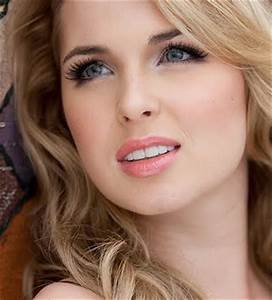 My TwiLife: Beautiful Pictures of Kirsten Prout
