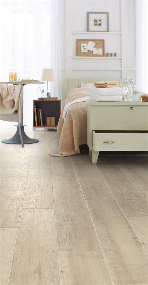 fusion flooring  royal white oak light  spacious