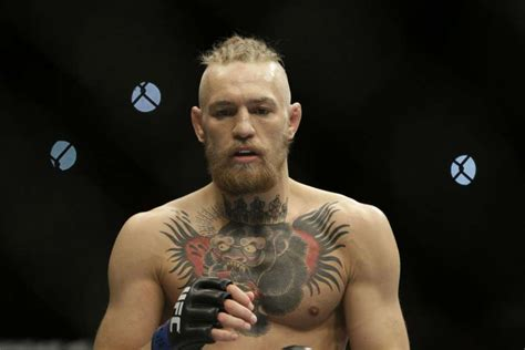 conor mcgregor shows interest  fighting oscar de la hoya