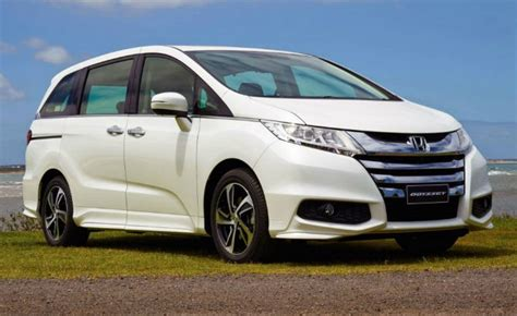 Americans Watch As Honda Launches High-MPG Odyssey Hybrid ...
