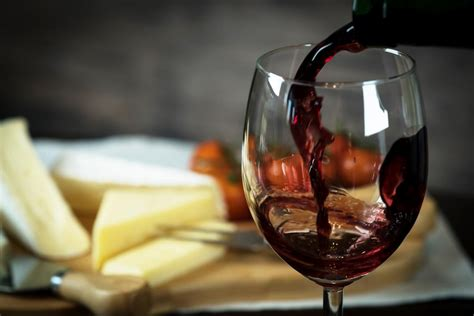 There are a lot of different wine glass shapes. Skip the guilt: Red wine could protect your oral health