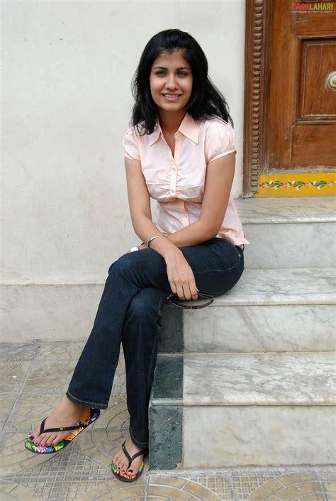 shreya dhanwantharys feet