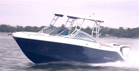 Robalo Boat Performance by Robalo R247 2017 2017 Reviews Performance Compare Price