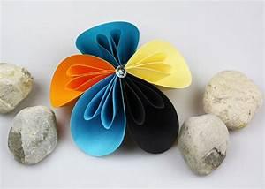 Einfache Papierblume Basteln : einfache papierblumen basteln diy love ~ Eleganceandgraceweddings.com Haus und Dekorationen