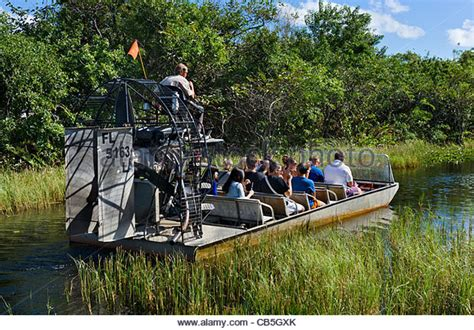 Everglades Airboat Tours Gator Park by Airboat Tour At Gator Park Airboat Tours On Highway 41