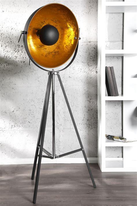 stehleuchte studio schwarzgold  lights schwarzes