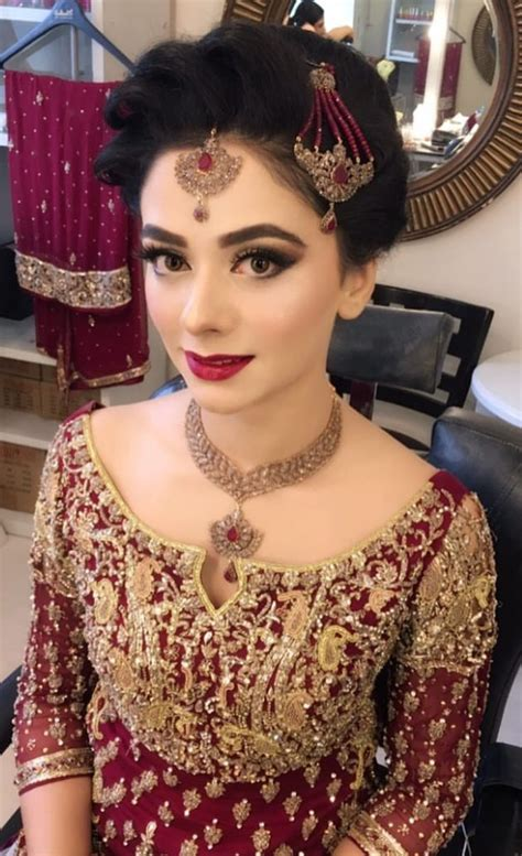 trendy pakistani bridal hairstyles   wedding