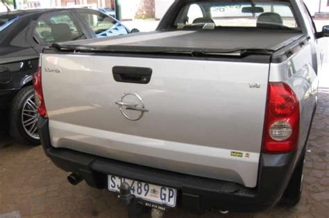 opel corsa utility 1 4 single cab bakkie fwd cars for