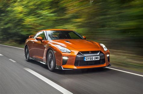 Nissan GT-R Review (2018)