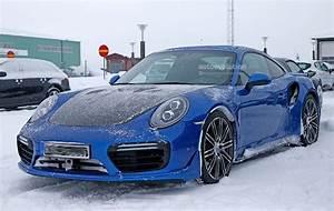 Porsche 911 Gt2 Rs 2017 : 2017 porsche 911 gt2 spied in winter testing with no camo autoevolution ~ Medecine-chirurgie-esthetiques.com Avis de Voitures