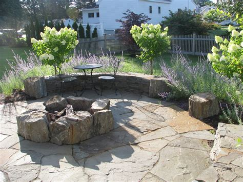 landscape pits rock fire pits landscape traditional with belgard bistro table boulder beeyoutifullife com