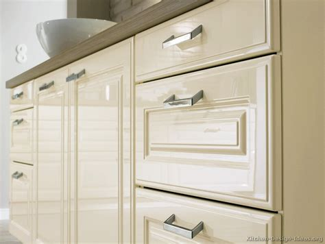 thermal foil kitchen cabinets thermofoil kitchen cabinet doors bbt com