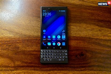 blackberry key2 le review less may be more but do you