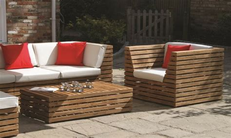 canape de jardin en bois canapé de jardin pour la détente à l 39 extérieur