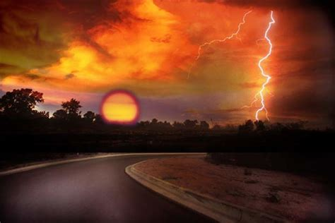 lightnings  dangerous   raining  myths