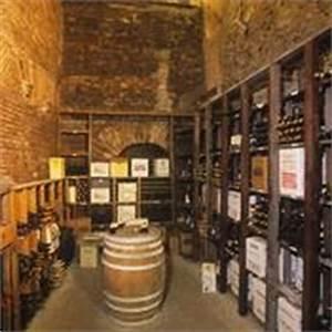 Cave À Vin Enterrée : am nagement cave a vin formes et mat riaux ooreka ~ Nature-et-papiers.com Idées de Décoration