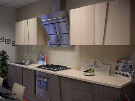 cucine legno massello prezzi cucina in legno massello modello trapezio cucine a