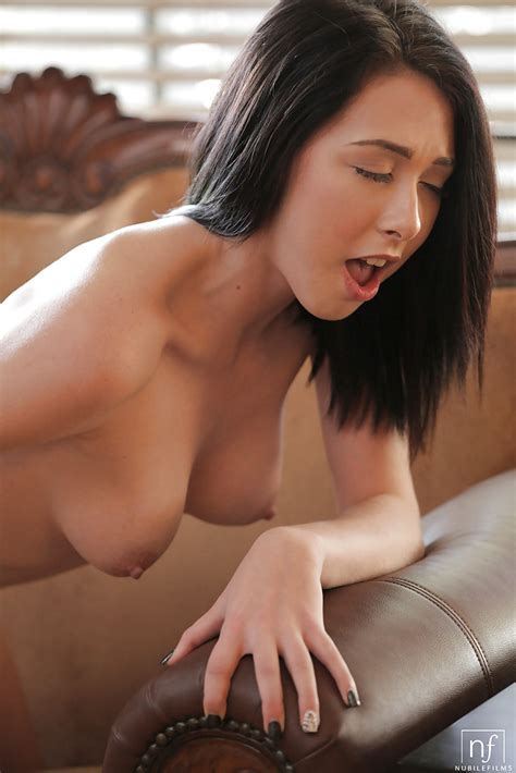 Sexy Teen Hanna Lay Shows Off Her Nipples And Naked Bald Puss