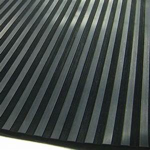 Tapis de sol en caoutchouc noir stries larges for Tapis caoutchouc garage