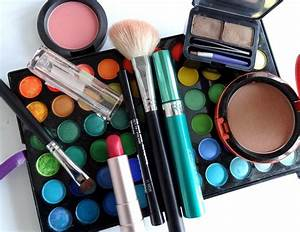 Tips To Carry Your Makeup Accessories