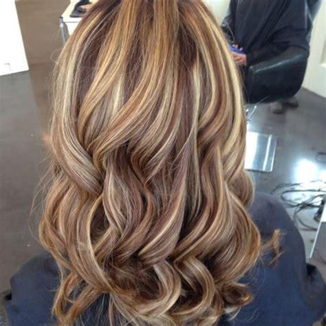 Hellbraune Haare Mit Blonden Strähnen Hellbraune Haare Mit Hellen