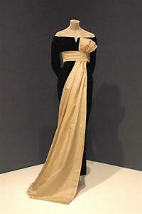 13 christian dior designs we39re still obsessed with With location robe haute couture soirée