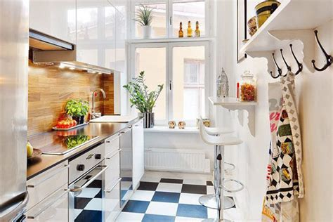 Cute & Functional Tiny Apartment Kitchen Pictures, Photos