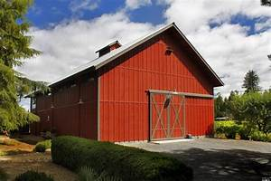 4 2m Small Sebastopol Vineyard Estate Has A Modern Barn