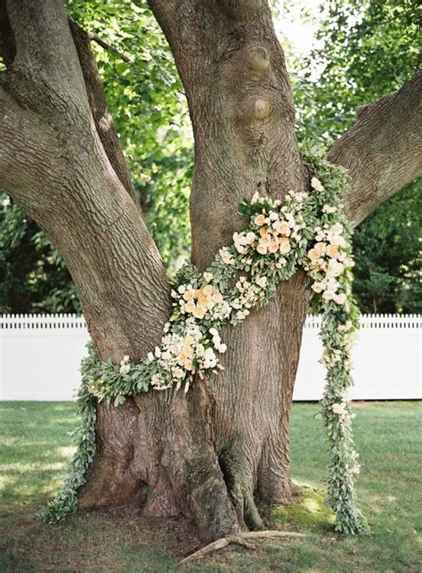 Tree Backdrop For Wedding by Top 20 Wedding Tree Backdrops And Arches Roses Rings