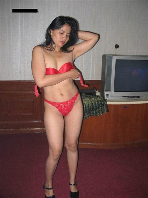 Nepali saree stripping xxx photo | Sexy Housewife in Blouse Petticoat