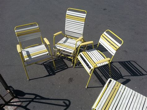 vintage   metal vinyl strap patio lawn chair lounge