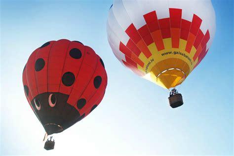 Lidojums ar gaisa balonu - lieta, ko izbaudīt - Articles - Svētku laiks