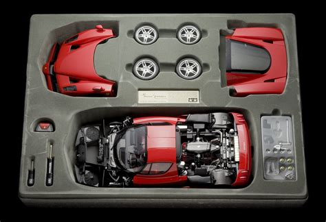 In order to obtain an intricate level of detail, this kit. Tamiya Ferrari Enzo 1:12 Scale - Aeromobilia