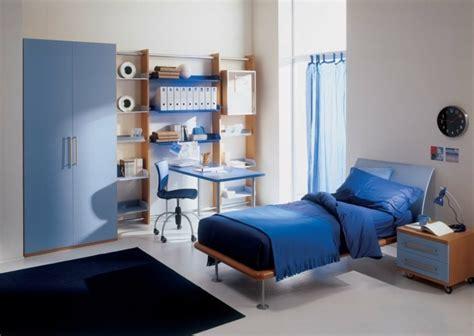 amenagement chambre garcon chambre meuble fonce design de maison